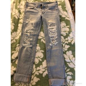 American Eagle size 6 distressed jeans